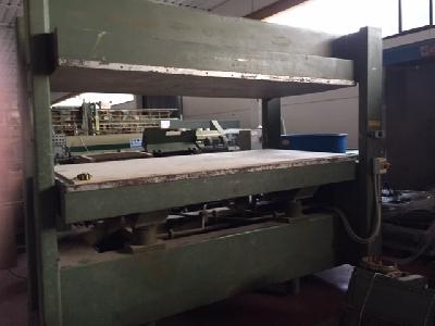 Presse a caldo usate per legno abbacchiatori pneumatici for Vendita presse usate